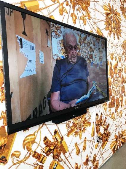 "Frank Gehry reads from Ai Weiwei's ""Humanity,"" on view at UTA Artist Space"